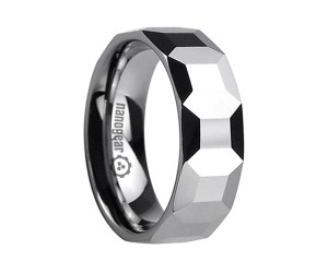 "Tungsten carbide ring with square faces in the middle ""LEMIRI"""