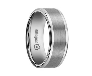 "Flat tungsten carbide ring with brushed stripe ""PENSTRI"""